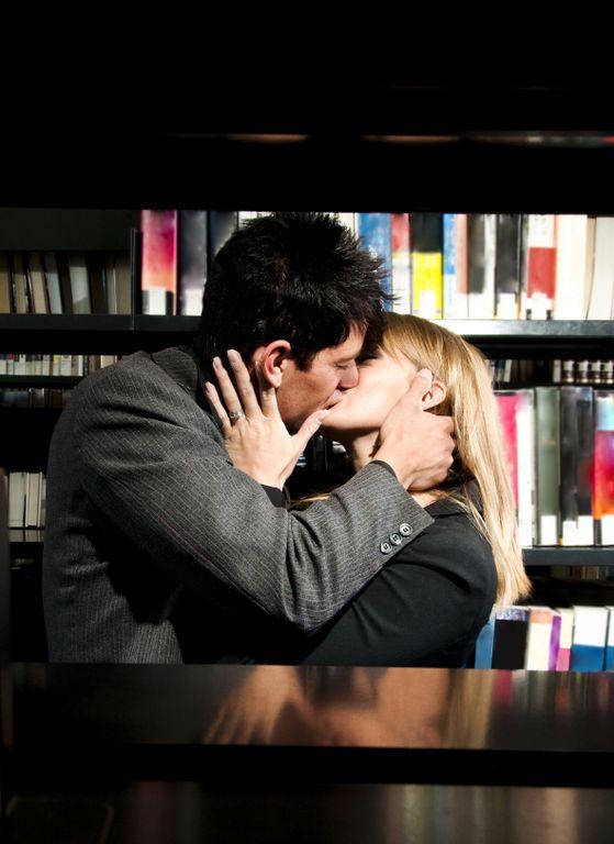 kissingcouple